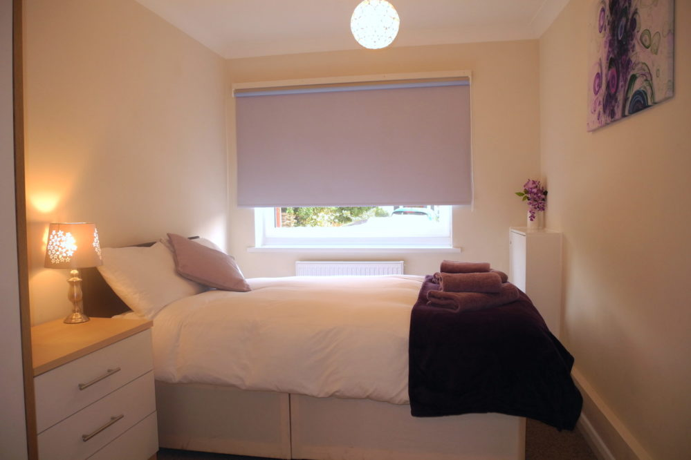 Bedroom2-Jardine-apartment-Kings-Lynn-short-stay-holiday-let-rental-999x666 Accommodation