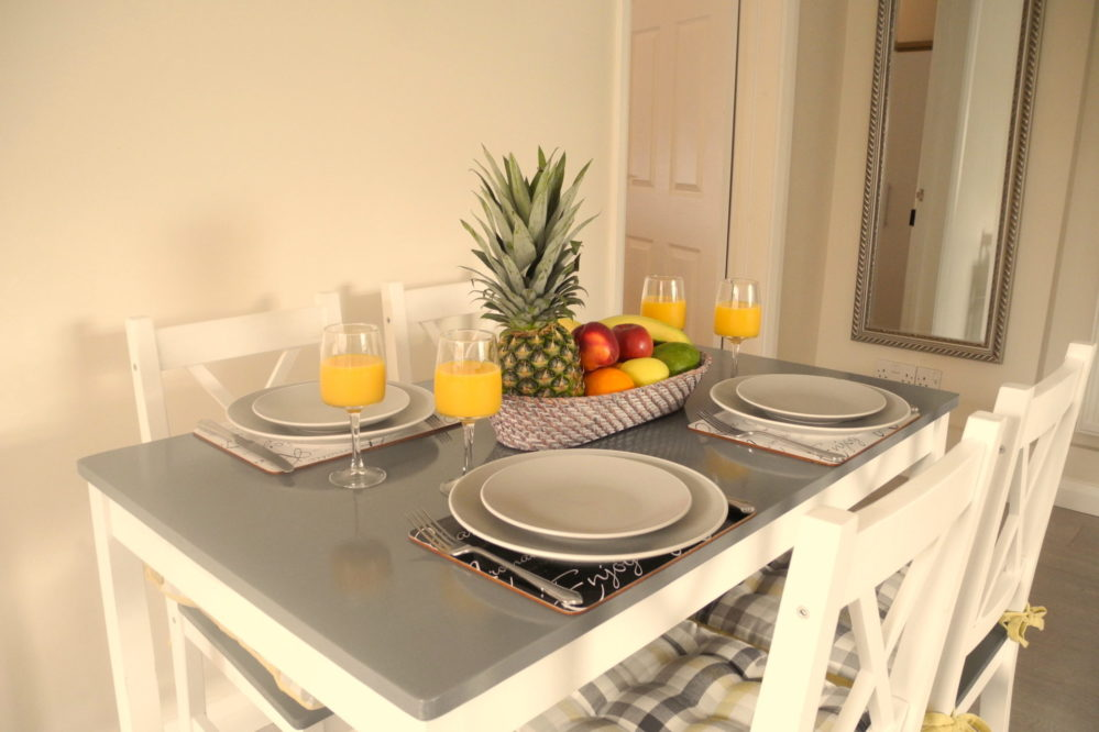 dinner-table-999x666 Accommodation